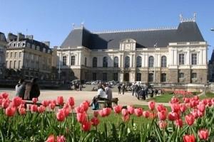 Place Parlement M Ogier