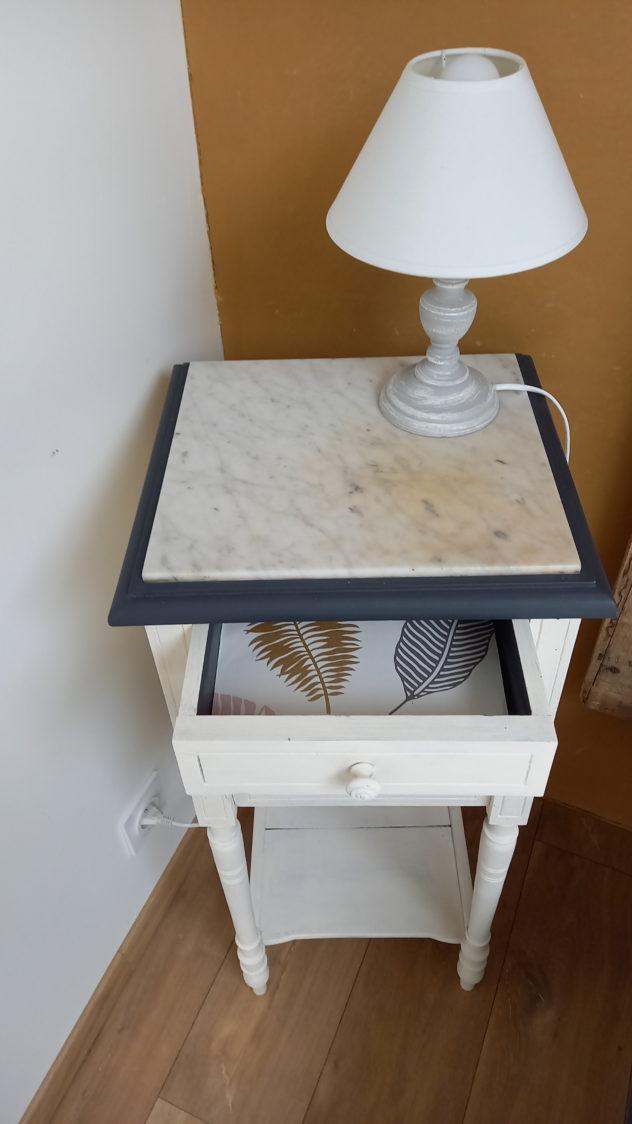 chevet marbre tapisserie tiroir